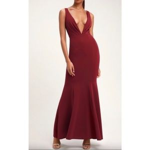 Lulu's burgundy maxi dress